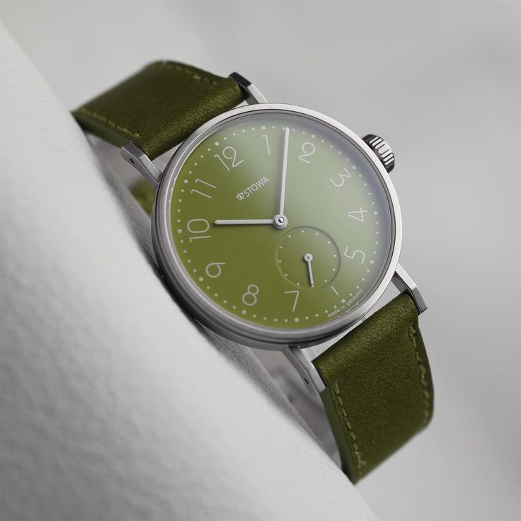 Stowa Antea b2b green. Spring is coming soon ;) #stowawatches #madeingermany #watcheslover #watchesdaily #watchesofinstagram #watchesoftheday #watches #mywatch #watchesofig #watchessentials #blackforest #madeingermanyde
