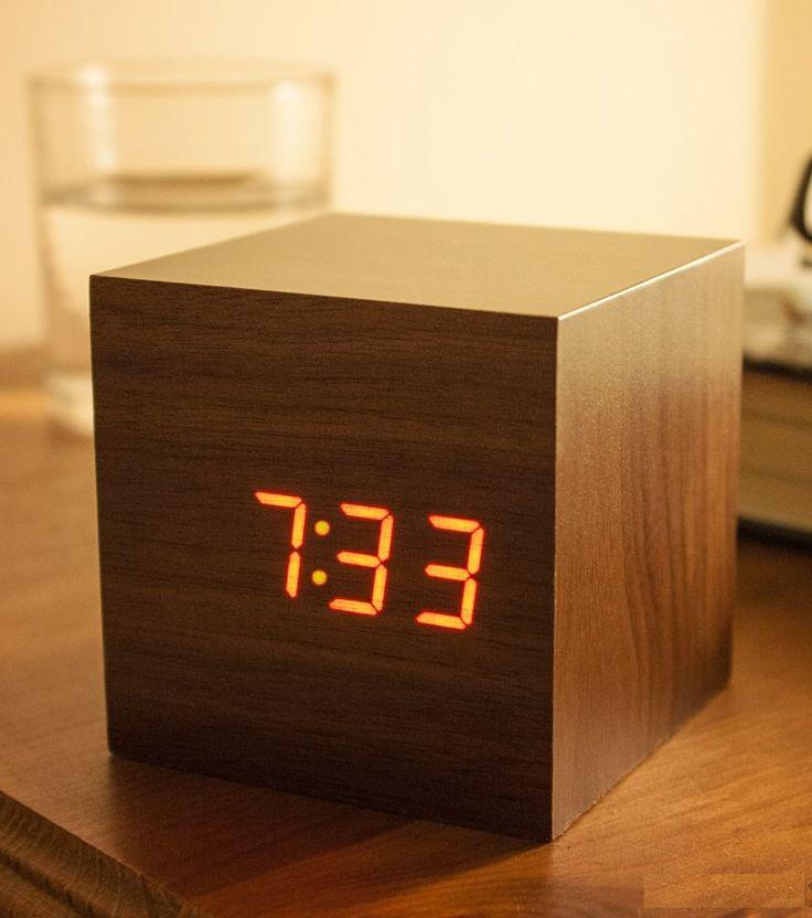 Horloge/Réveil cube LED Click Clock