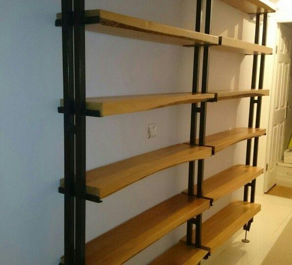 Doğal ahşap ve metal kitaplık #kitaplık #izmir #doğalahşap #mobilya #ağaç #metal