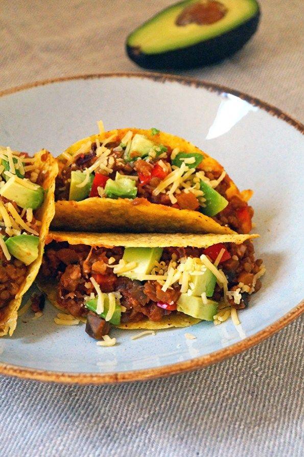 vegetarische taco met avocado