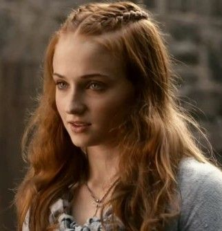 I love Sansa's Winterfell braids... such happier times ;)