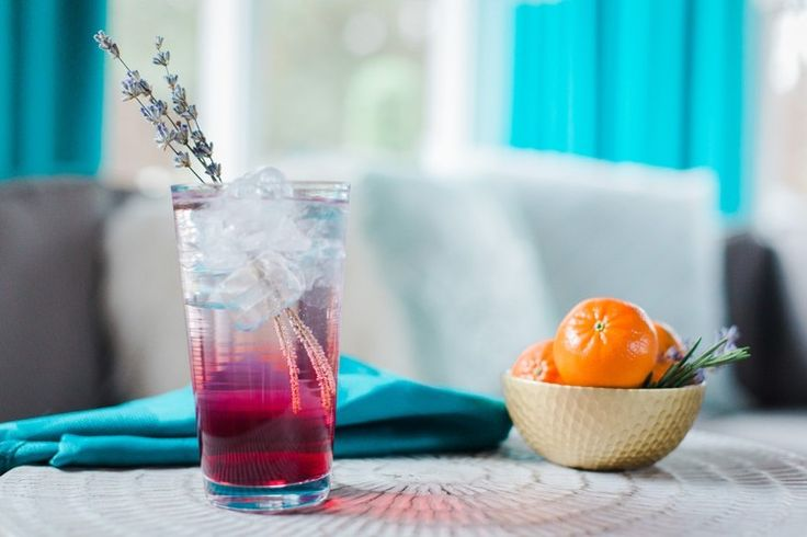 Lavender Collins Cocktail Recipe: A Spring Twist on the Tom Collins