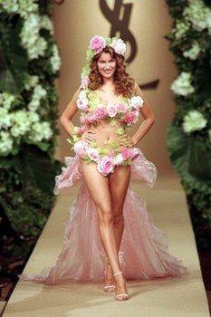 Laetitia Costa at Yves Saint Laurent Haute Couture Spring 1999.