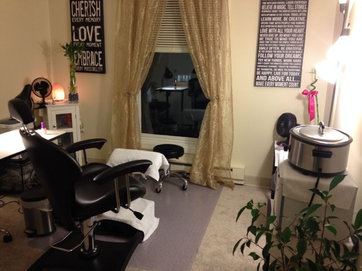 The Belava Indulgence Chair is designed to be used for multiple treatments - perfect for the salon at home beautician like Nicole Coderro who sent us this picture of her stylish set up!