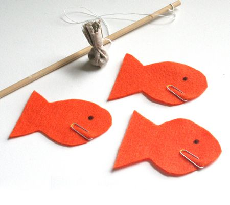 Gone Fishing- such a cute game for toddlers and preschoolers - easy think I might make it tonight for TT