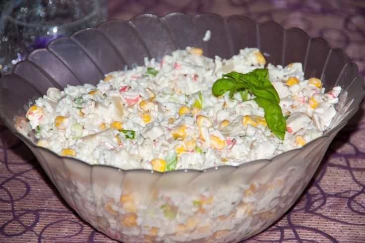 Krabbenstäbchen Salat mit Ananas