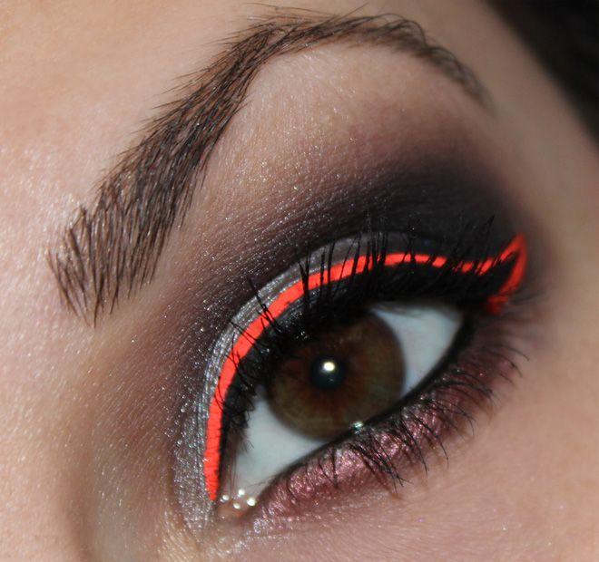 Stargazer Neoneyeliner Neonorange http://www.talasia.de/2015/03/01/eyes-stargazer-neon-eyeliner-neon-orange/