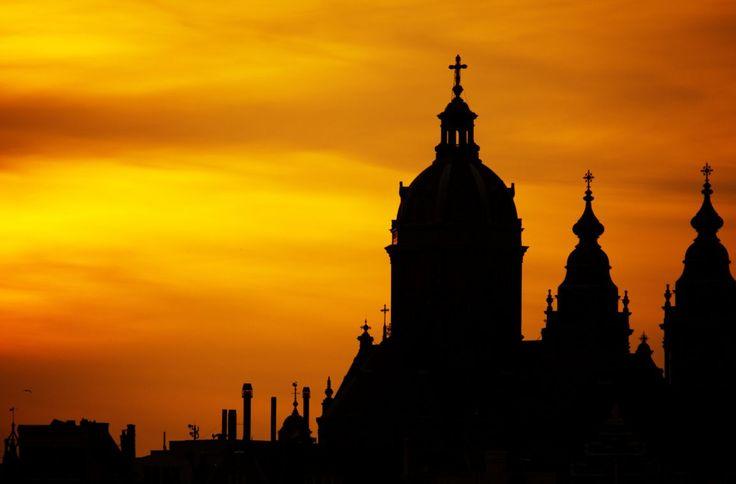 """Die ewige Stadt Rom ist ein echter Touristenmagnet. Jedes Jahr zieht es mehrere Millionen Besucher in die pulsierende Metropole mit den vielen Gesichtern. Ein altes Sprichwort besagt: """"Roma non bas…"""