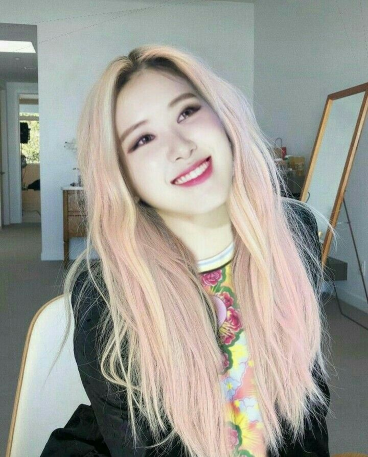 Blackpink Park Rose Pink Hair Edit Park Chaeyoung