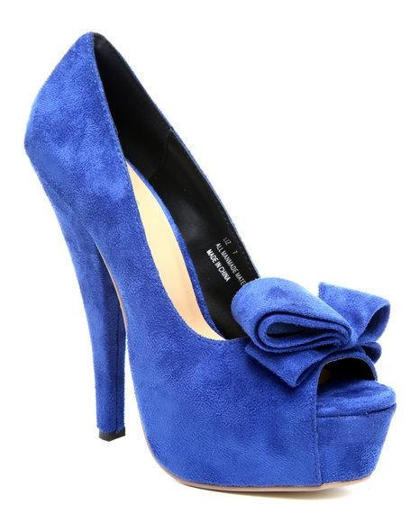 #blue #pumps with a cute #bow #highheels