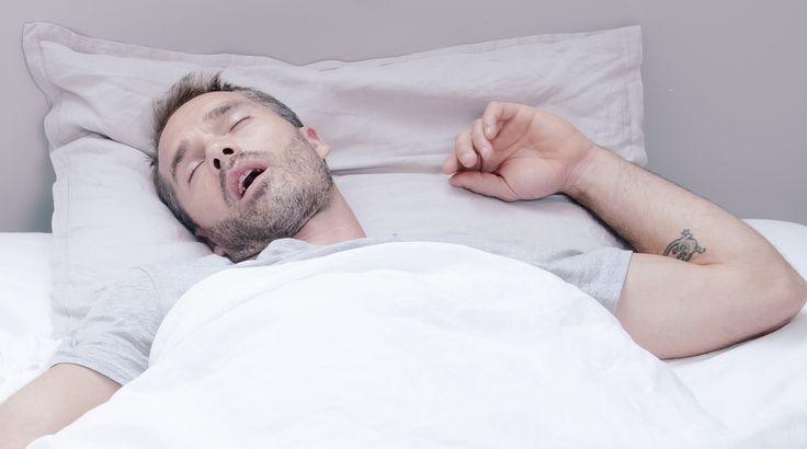 Comment dormir à côté d'un ronfleur : quelques astuces