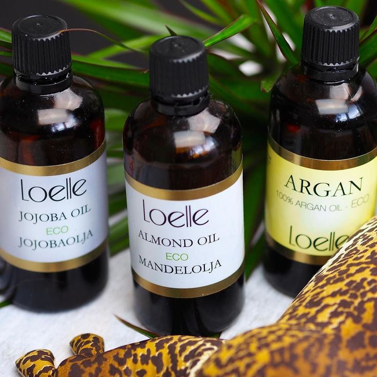 Why choose when you can have all three  I love these ecological oils from @loelleorganicbeauty. Perfect for sunburn as moisturizing hair oil in your food on your face on your body and even in the shower. The are sooo all around and I that. So pure natural and good for you! I cant pic one So all is a must have. Read more about them on the my blog  link in profil & search for oils