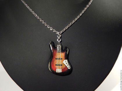 Украшения для мужчин, ручной работы. Ярмарка Мастеров - ручная работа. Купить Кулон в виде гитары Fender Jazz bass. Handmade.