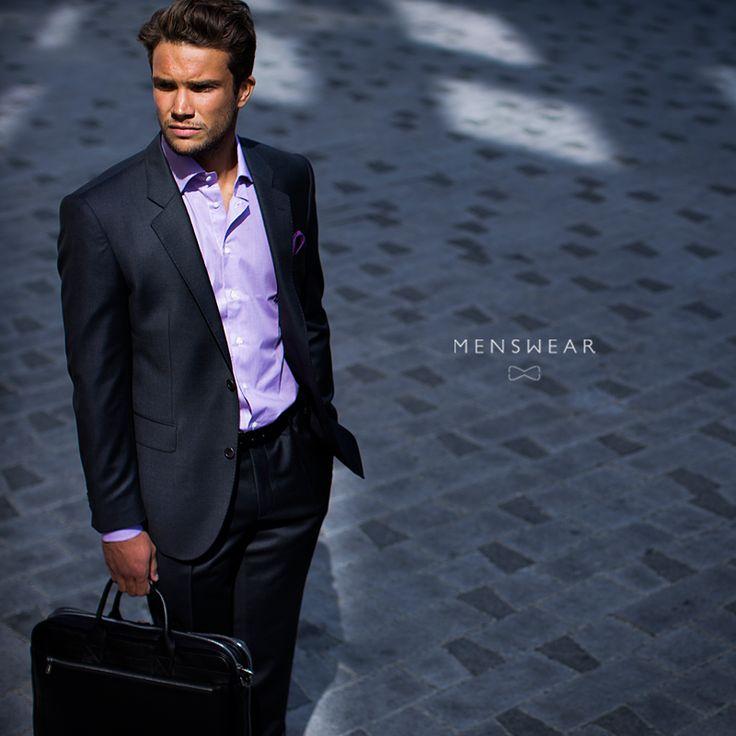 Koksgrå dress. http://menswear.no/dress/dress-for-menn-i-oslo/ #menswear_no #menswear #mensfashion #dress #oslo #hegdehaugsveien #bogstadveien #tjuvholmen #lysaker #skjorte #jobbklær #suit #suitup