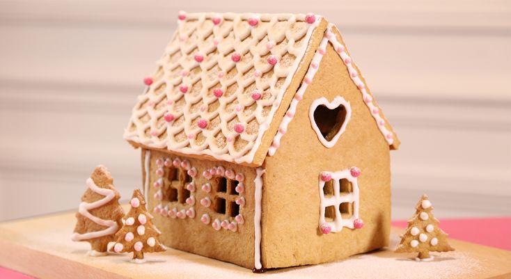 Faire sa maison en pain d'épices, c'est le hit de Noël 2013. Et- vrai de vrai- ce n'est pas si difficile (pour un effet maxi, tout particulièrement avec les kids), surtout avec ...