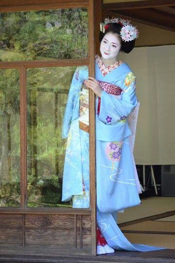 A senior maiko