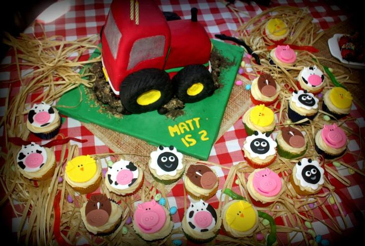 Farmyard (tractor and cupcakes)