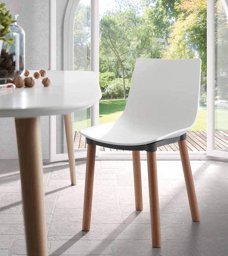 Stol modell Isake. #stol #kjøkken #spisestue #interior #interiør #interiormirame #design