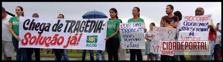 Protesto por segurança no trevo de Goioerê aconteceu mesmo com o tempo chuvoso