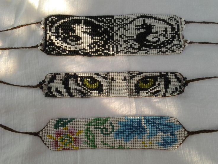 Pulceras en mostacilla-Manillas con Arte e Intención http://patyndianaebuluk.wix.com/libelulaplanetarte#!obras-de-la-libelula/c16oh