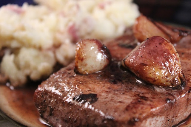 Katie Kay's Kitchen: Pork Chops with Garlic and Red Wine Pan Sauce