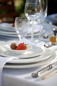 Strawberries and truffles from Kos is op die tafel. Courtesy of Lapa Publishers. Photograph by Adriaan Vorster