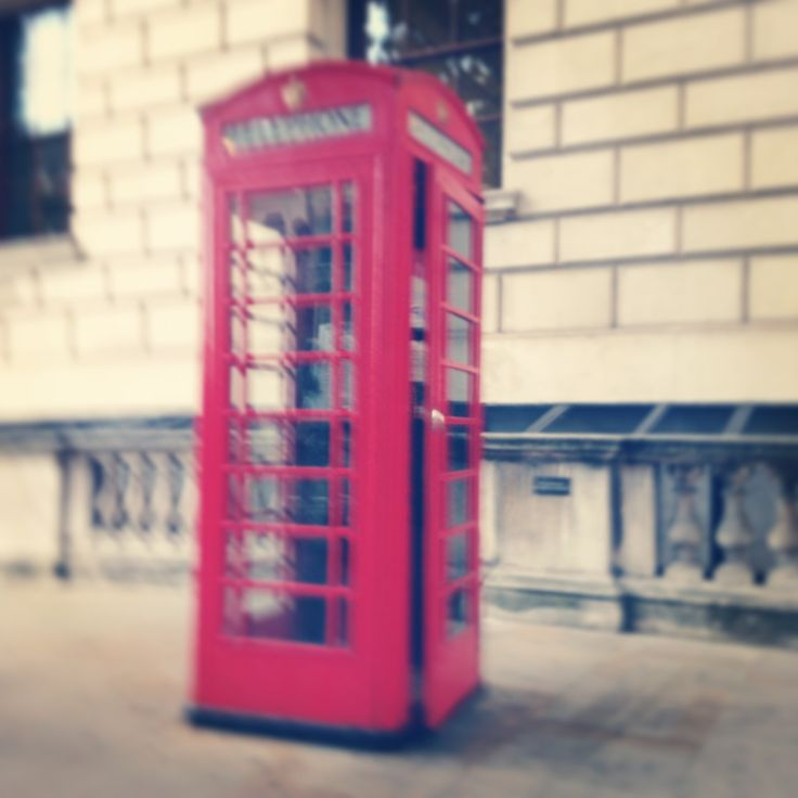 love this phone booth's