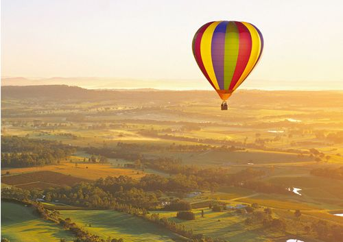 Top 10 Things Do In Hunter Valley! We all know there is great wine tasting, but here are a list of 10 things you may not have thought to do while taking a romantic getaways in the Hunter Valley. #huntervalley