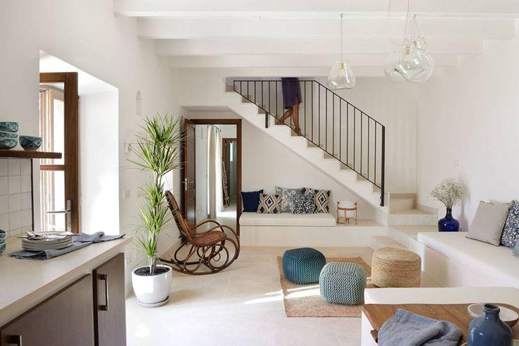 HOTEL CAL REIET – GUEST HOUSES: Salones de estilo Mediterráneo de Bloomint design