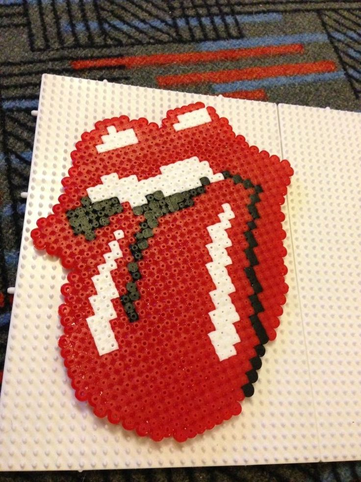 Rolling Stones hama beads - Marine Pixel Art Créations http://www.helpmedias.com/minecraft.php