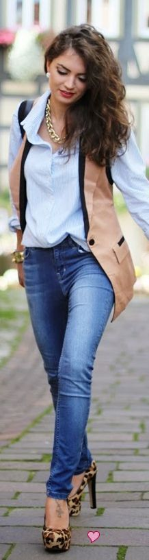 Sleeveless blazer over a button down with jeans. Perfect for the white sleeveless blazer I wasnt sure how to transition into fall!
