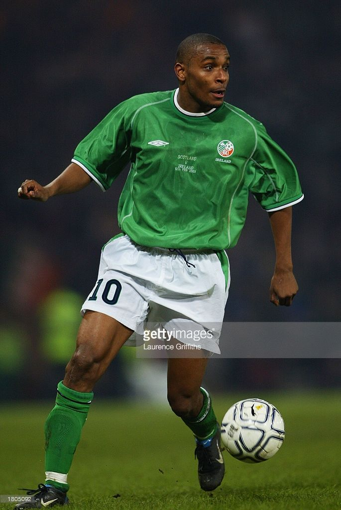 clinton-morrison-of-republic-of-ireland-runs-with-the-ball-during-the-picture-id1805092 (685×1024)