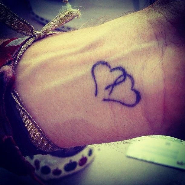 @Alison Hobbs Hobbs Jeffreys  we should get these with our tat instead of half hearts! :)<3