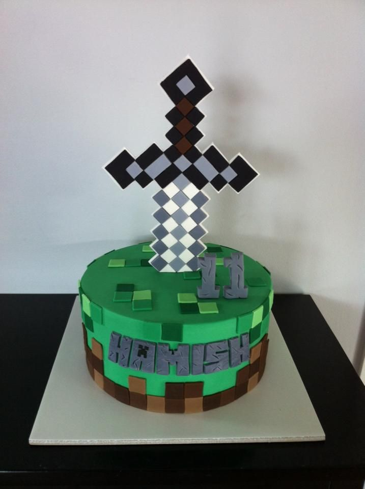 Best 25 Homemade Minecraft Cakes Ideas On Pinterest