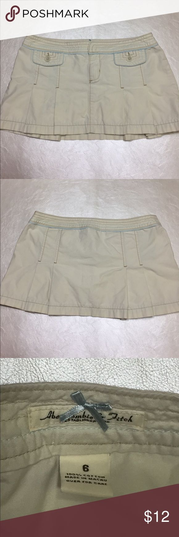 """Abercrombie and Fitch Pleated Miniskirt Cute and Casual! Pleated micromini with Khaki with Blue and Tan Accents and Two Front Pockets Width 36"""" Length 12"""" Abercrombie & Fitch Skirts Mini"""