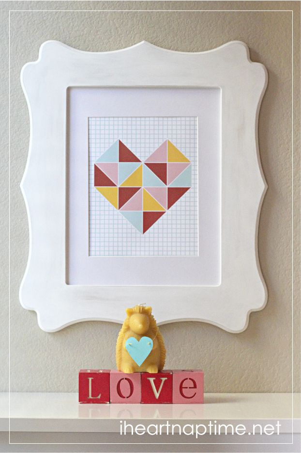 Free printable triangle wall art on iheartnaptime.com