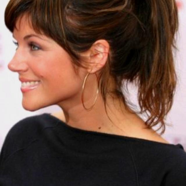 I Want Tiffani Thiessen S Hair Love The Bangs Ponytail My Style
