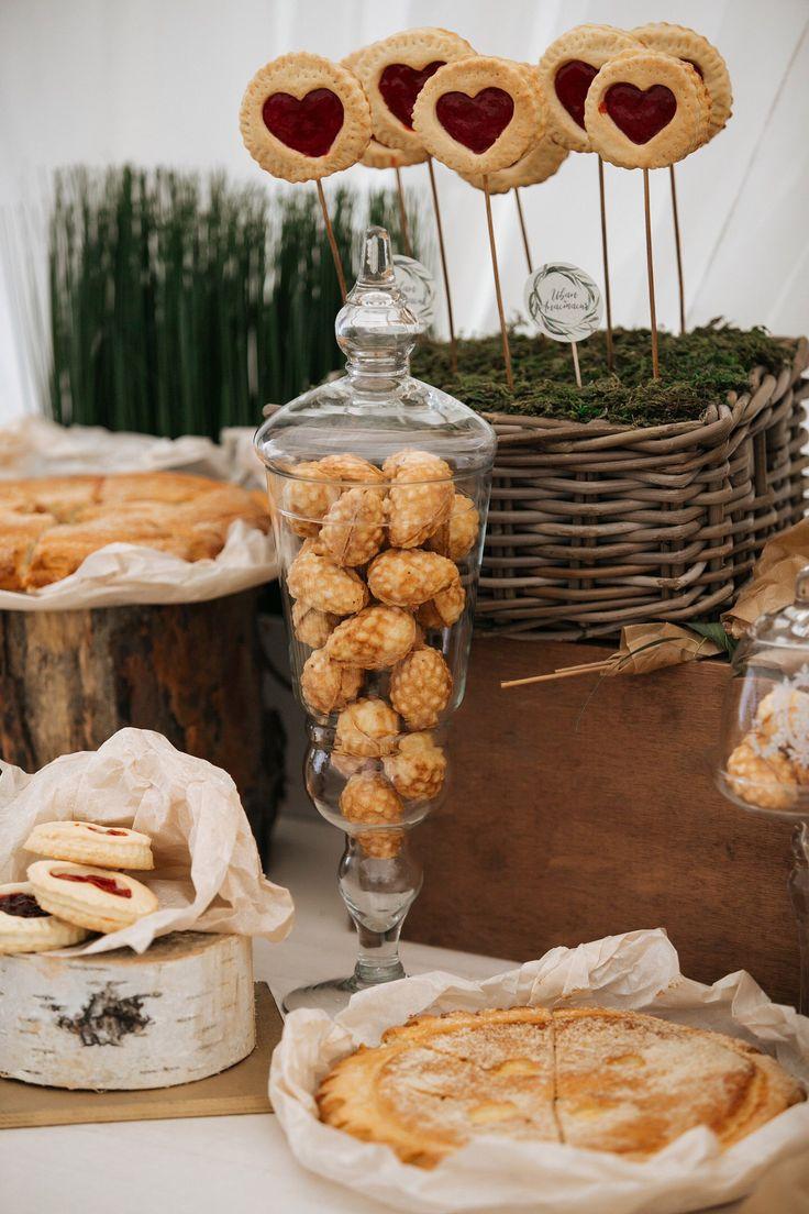 Candy-bar. Оформление сладкого стола. Домашние орешки, домашний пирог. Свадебный стол.