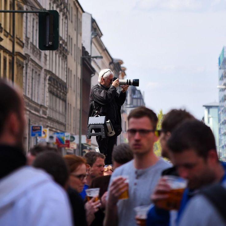 Picture while making a picture.  #myFest #berlin #berlinstagram #berlingram #latergram #late #weekend #berlinigers #picoftheday #photooftheday #surahitvc #music #concert #kreuzberg #xberg #kotti #l4l #festival #germany #deutschland by surahit