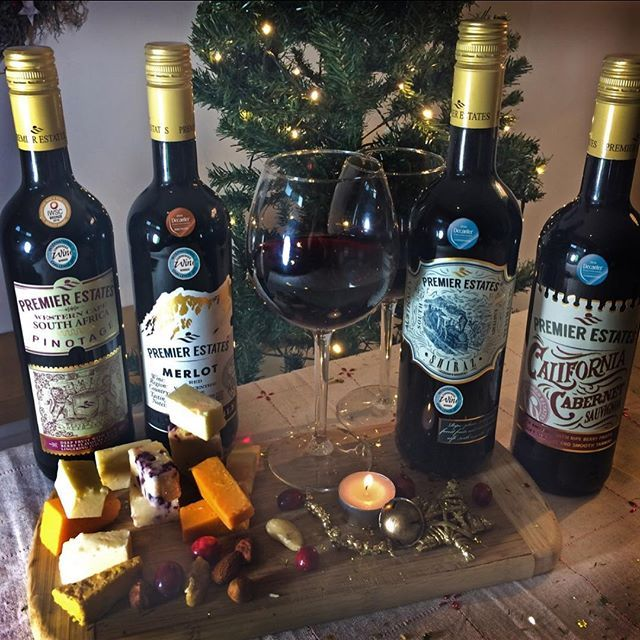 Have you tried our reds? Perfect for a cosy night in at Christmas time paired with your favourite festive treats! #wine #red #merlot #shiraz #California #shiraz #merlot #pinotage #christmas #christmasnightin #festivefun #christmasspirit #freedelivery #keepitpremier