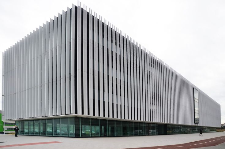 Sede Parque científico UPV. ACXT Arquitectos. Doble piel de chapa deployé con sistema R70ST carpintería estructural RV