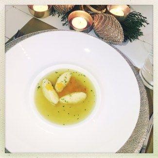 nocken, foodwerk.ch, swiss foodblog, foodblogs, weihnachten, bruehe, vorpeise, gaeste, menue, menu, suppe, bouillon, einlage, griess,