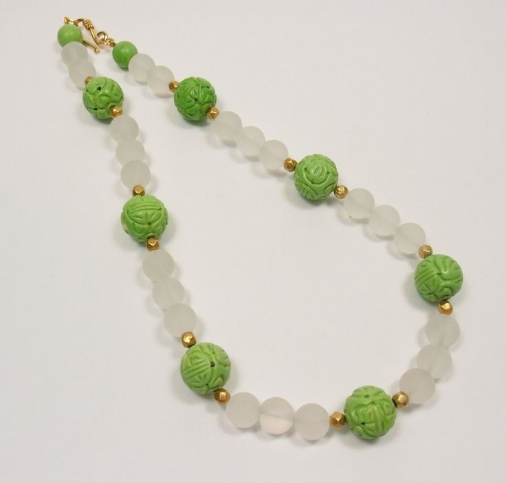 Howlite and Rock Crystal Necklace: Pietra