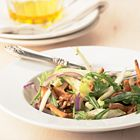 Een heerlijk recept: Witlofsalade met appel walnoten en cantharellen