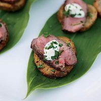 Steak Bites | http://www.rachaelraymag.com/Recipes/rachael-ray-magazine-recipe-search/appetizer-starter-recipes/steak-bites