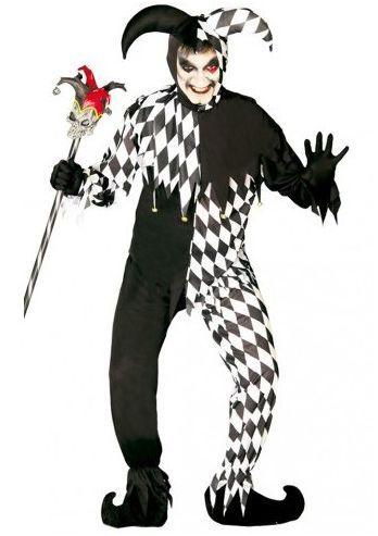 Dit black joker kostuum is geproduceerd door Fiestas Guirca en bestaat uit een shirt en broek met capuchon met echte joker punten eraan. Het kostuum is in de kleuren wit en zwart met het ruitjes motief, aan de punten van het pak hangen belletjes. Dit Clowns kostuum is perfect voor een circus thema of voor Halloween met een bijl of enge schmink erbij.