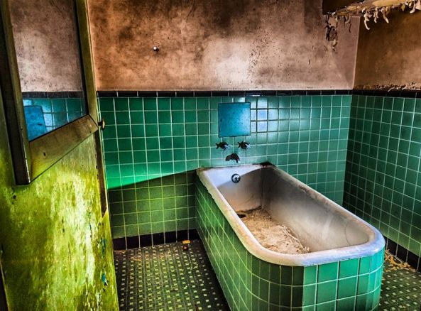 St. Albans Sanatorium in Radford, Virginia | 50 Of The Creepiest Places In The U.S.