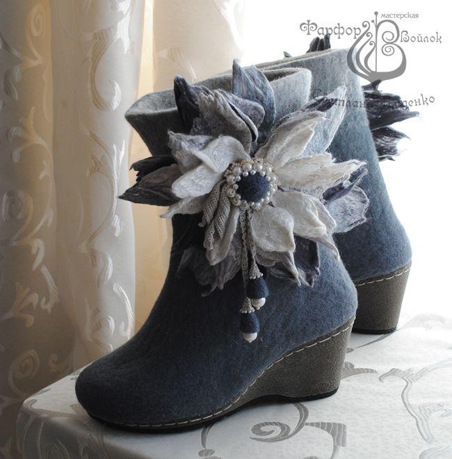 Shoes made of felt. Handmade.