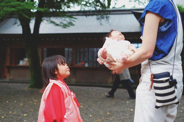 . . 優しく見守る もぉすぐお姉ちゃんだね . . .  #七五三 #七五三撮影 #753 #菊池神社 #かわいい #微笑ましい #自然 #神社 #元気かな #もおすぐお姉ちゃん #baby #kidsstyle #御船写真部 #kumamoto_instagramers  #icu_japan#lovers_nippon#bestjapanpics#instajapan #写真好きな人と繋がりたい #ファインダー越しの私の世界 #instagramjapan#wu_japan #igers#instagram#IGersJP#RECO_ig#igreja#igersjp#team_jp_ #ig_japan_