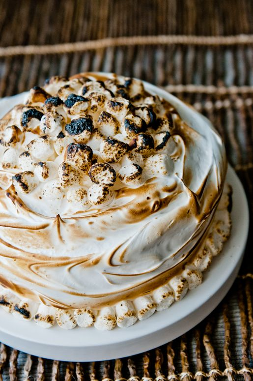 inside-out s'mores cake: Cakes Mixed, Health Food, Insideout Smore, Chocolates Cakes, S More Cakes, Smore Cakes Recipes, Inside Outs S More, Sweet Tooth, Cooking Tips